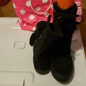 Converse High tops suede black Ugg look